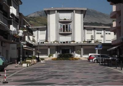 Grave situazione della sanità in Calabria e smantellamento dell'ospedale di Praia