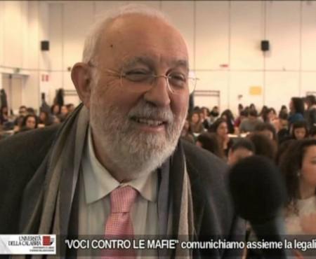 """Giornalisti d'Azione e Unical- """"Voci contro le mafie"""" -interviste"""