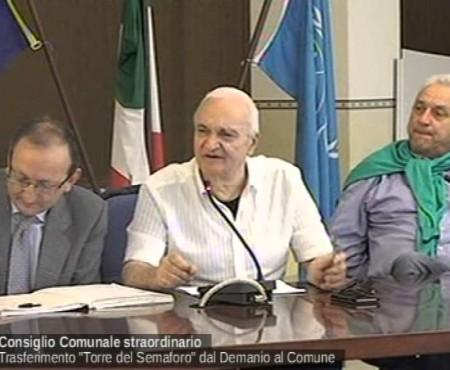 """Diamante: Consiglio comunale straordinario trasferimento """"Torre del Semaforo"""" dal Demanio al Comune 21/04/16"""