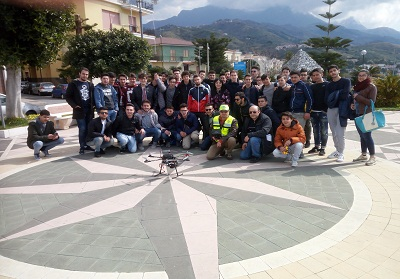 Alternanza Scuola Lavoro: Importante esperienza con il drone al Geometra di Diamante