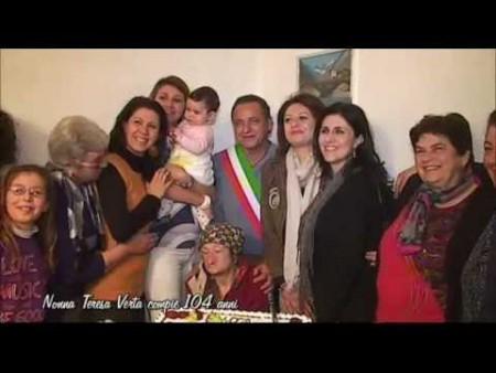 Belvedere festeggia la centenaria Nonna Teresa (104 anni)