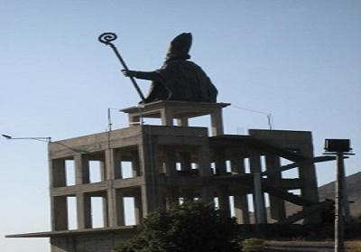 Buonvicino: Il basamento della statua di San Ciriaco sarà abbattuto, il plauso degli ambientalisti