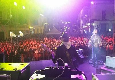 PAOLA: In diecimila per il concerto di Alex Britti