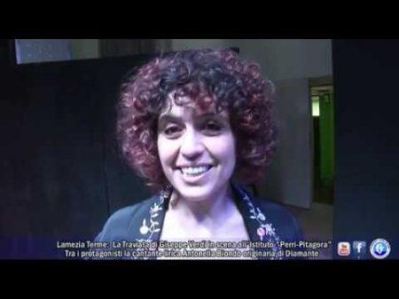"""Lamezia Terme: La Taviata di G.Verdi in scena all'Istituto """"Perri-Pitagora"""" – servizio"""