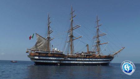 """La nave scuola """"Amerigo Vespucci""""a Scalea"""
