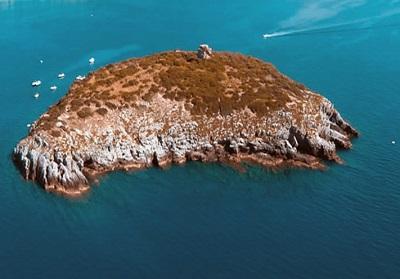 Arpacal: Droni sorvolano l'Isola di Cirella per acquisire nuovi dati ambientali