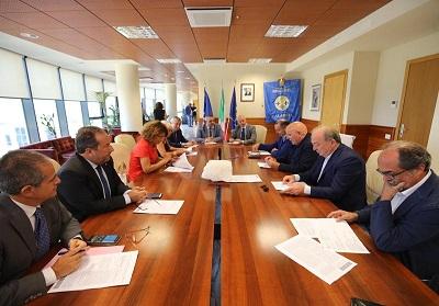Crisi Sanità: Vertice in Regione con il Presidente Oliverio, il Commissario Cotticelli e i Prefetti