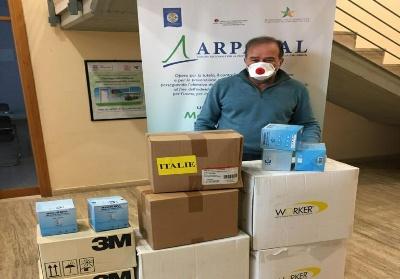 Covid-19: Arpacal dona dispositivi di protezione all'Ospedale di Crotone