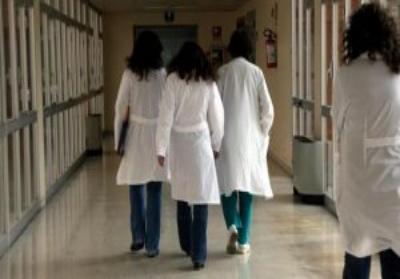 Ordinanza della Santelli, tamponi per tutti gli operatori sanitari e pazienti ospedalizzati