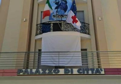 """Diamante aderisce all'iniziativa nazionale dell'ANCI. Un lenzuolo bianco per dire """"NO alla Mafia"""""""