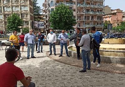 """Cosenza: Protestano i gestori di ristoranti e bar. """"Rischiamo di chiudere"""""""