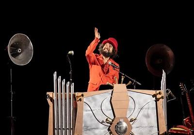 Diamante: Conto alla rovescia per il concerto di Vinicio Capossela al teatro dei Ruderi di Cirella