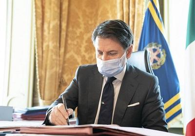 Covid-19: Conte ha firmato il nuovo DPCM. Bar e ristoranti abbassano le serrande alle 18