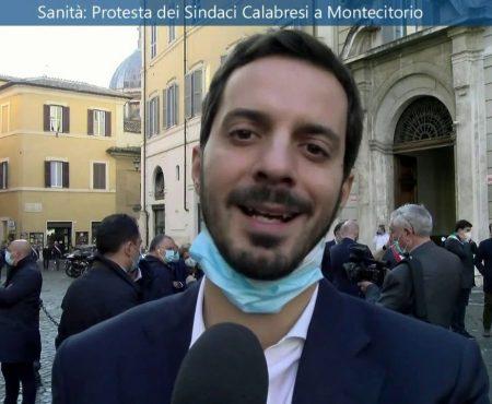 Sanità: I Sindaci calabresi protestano davanti Montecitorio