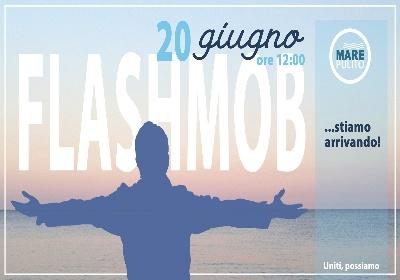 """Oggi il flash mob di """"Mare Pulito"""". Un abbraccio comune per la salute del mare"""